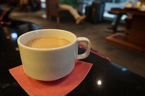 羽田空港国内線第2旅客ターミナル「エアポートラウンジ(北)」コーヒー写真