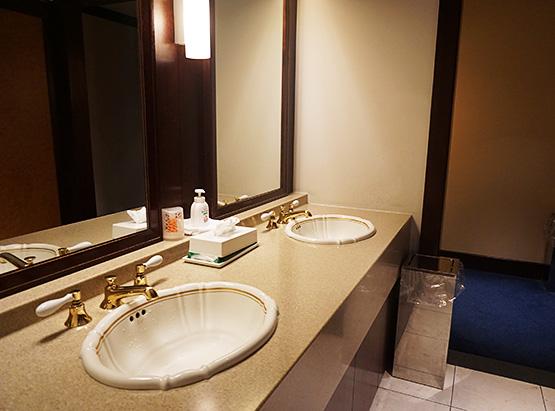 羽田空港国内線第2旅客ターミナル「エアポートラウンジ(北ピア)4F」トイレ写真