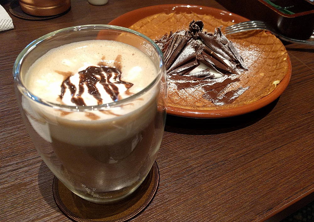写真:カフェで食べたもの